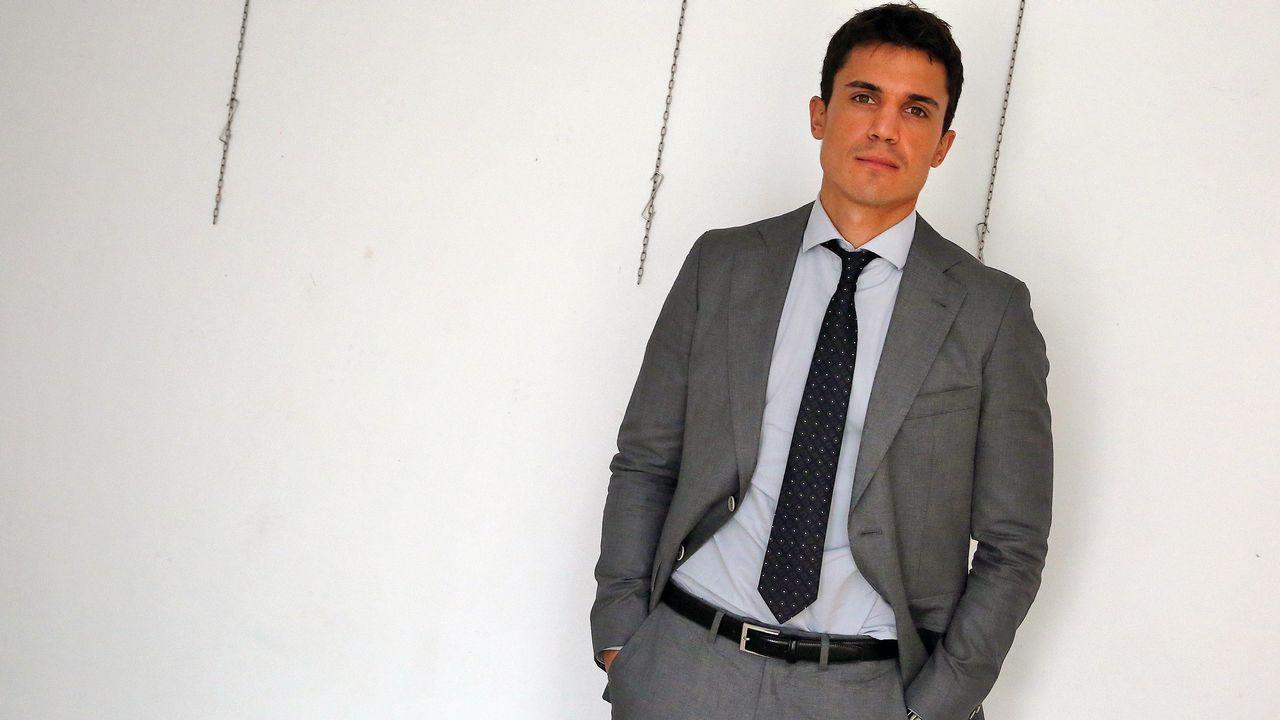 Álex González en Arousa: «Lo bien que se come aquí... ¿Se dice pulpo con cachelos, no? Es delicioso»