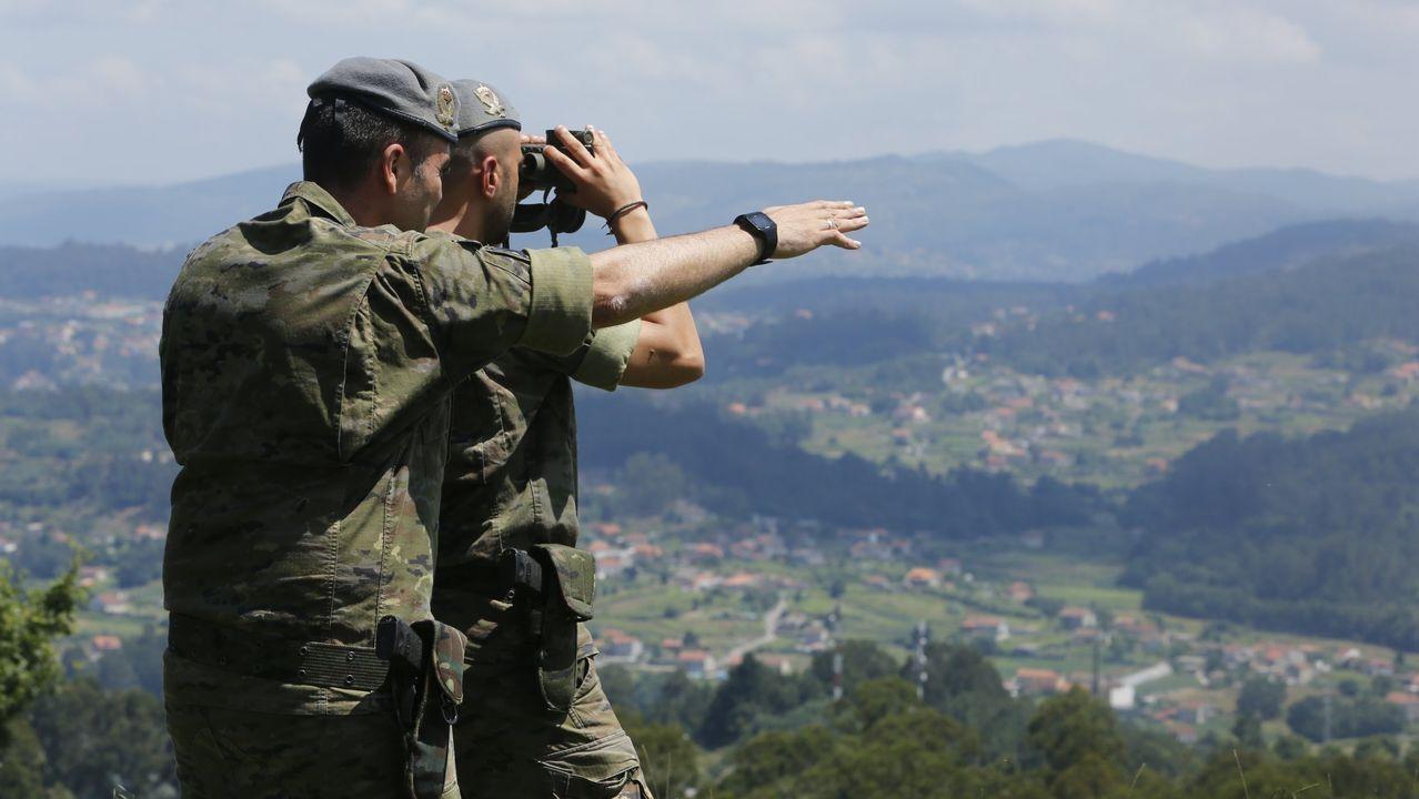 La ministra de defensa condecora a soldados de la Brilat.Los drones tienen un alcance de diez kilómetros y llegan hasta los 300 metros de altura