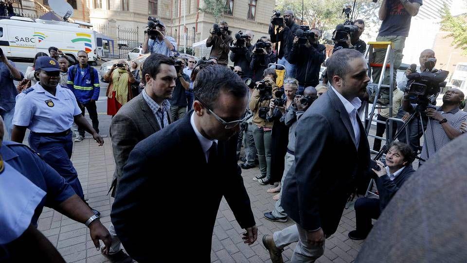 Pistorius a su llegada al juzgado el día de su segunda declaración