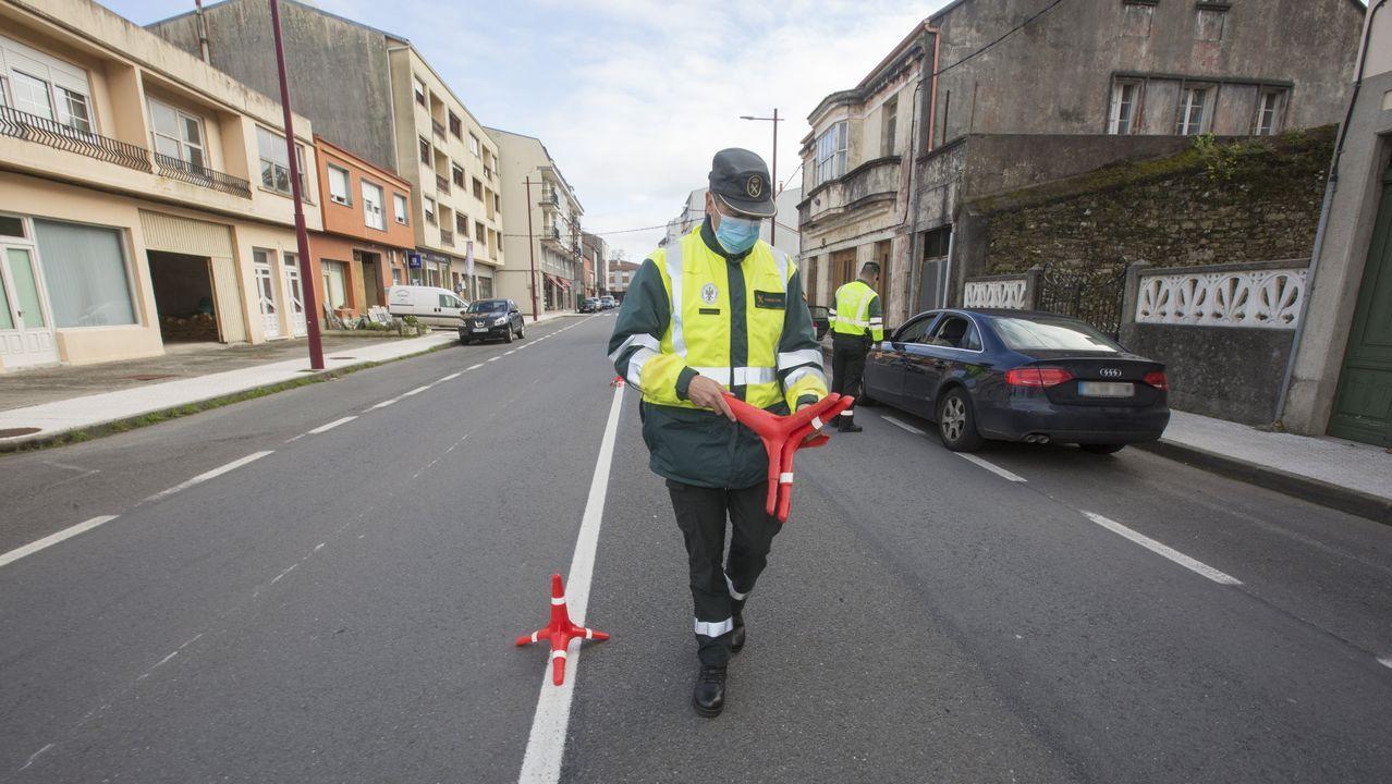 La policía local de Vigo multa a sus propios coches.La matriculación de alumnos en la autoescuela Miguel aumentó durante los últimos meses.