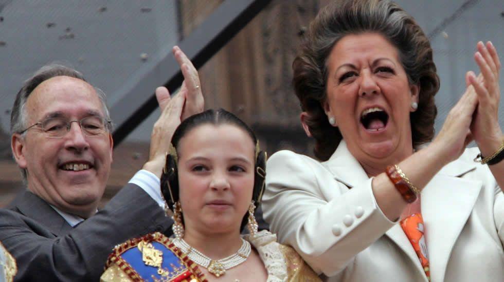 Rita Barberá fue una regidora populista bautizada como «alcaldesa de España». En la imagen, durante una «mascletá» en las Fallas.