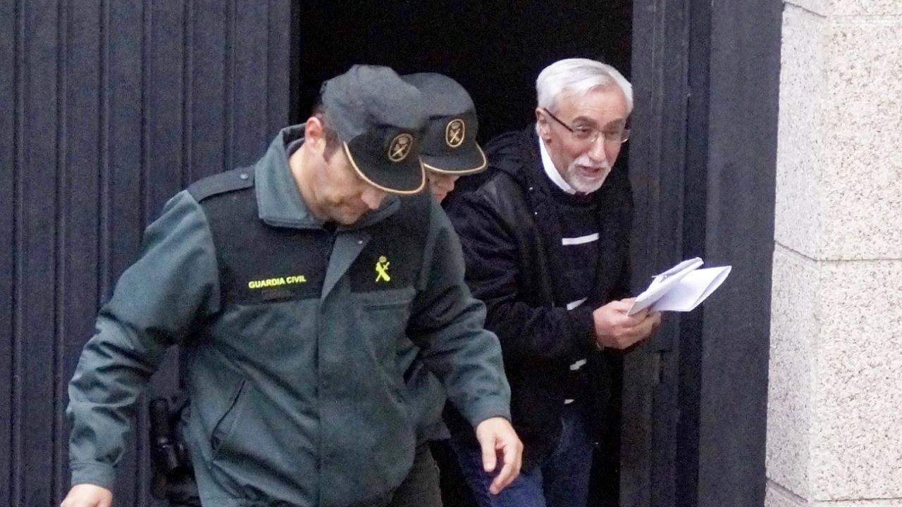 Entrada de la Audiencia de Pontevedra