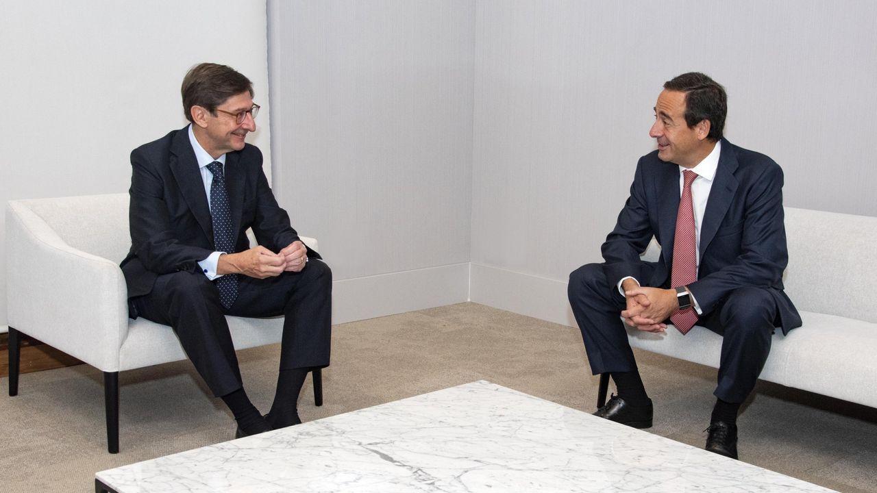 Manuel Menéndez, Consejero Delegado de Liberbank, y Manuel Azuaga, presidente de Unicaja