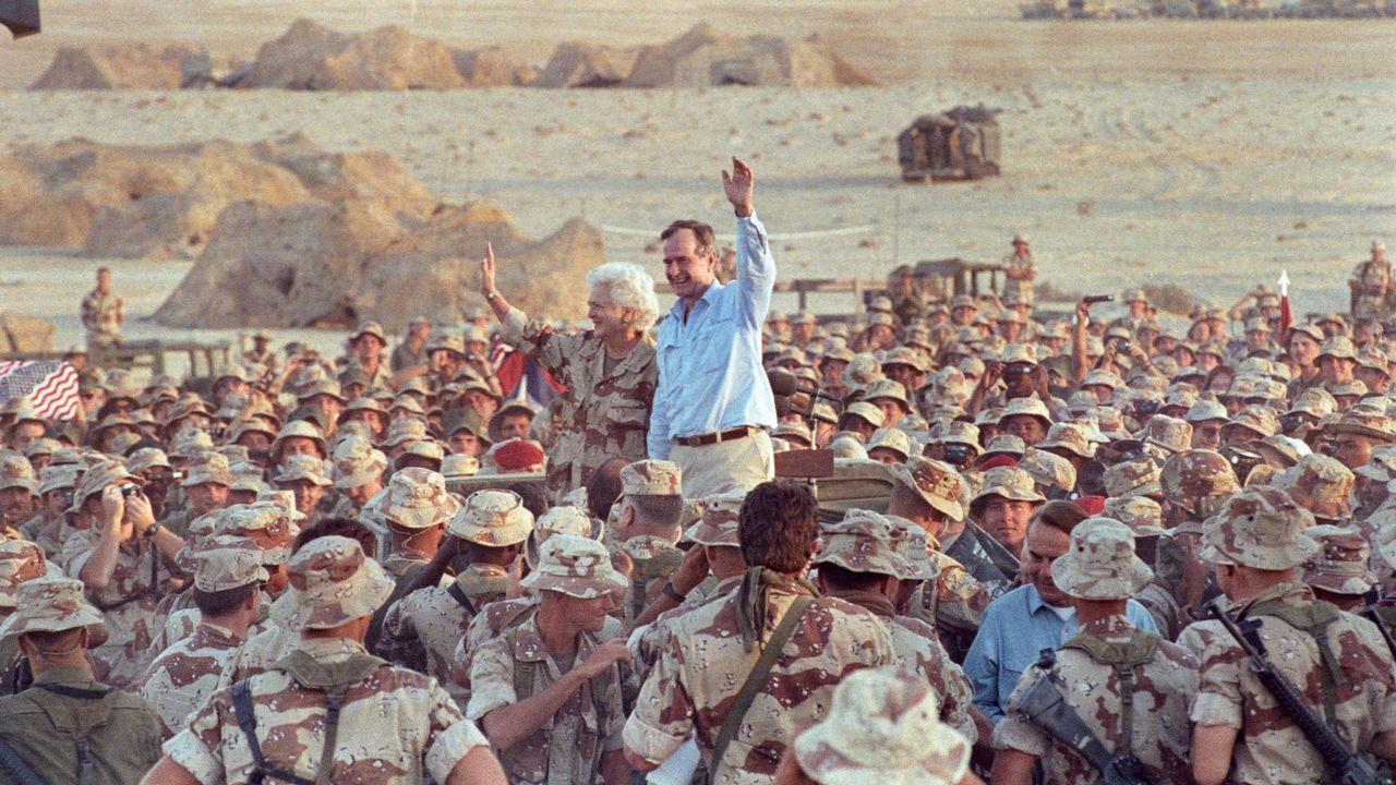 La vida de George H. W. Bush, en imágenes