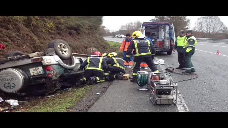 Excarcelan al conductor de un coche tras un accidente en Castroverde