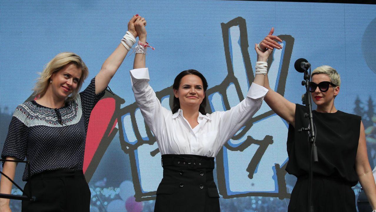 De izquierda a derecha, Veronika Tsepkalo, Svetlana Tijanóvskaya y María Kolésnikova
