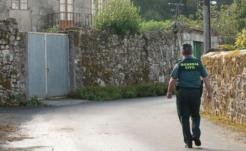 Homenaje a Vanessa Lage, la policía muerta en el atraco de O Calvario en Vigo.Los alcaldes del Consorcio solicitaron la reunión con el delegado el pasado jueves.