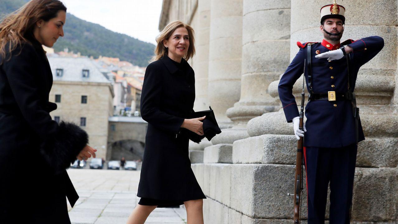 Misa por don Juan presidida por los Reyes.La mujer de Puigdemont acudió ayer a la prisión de Neumünster para visitar a su marido