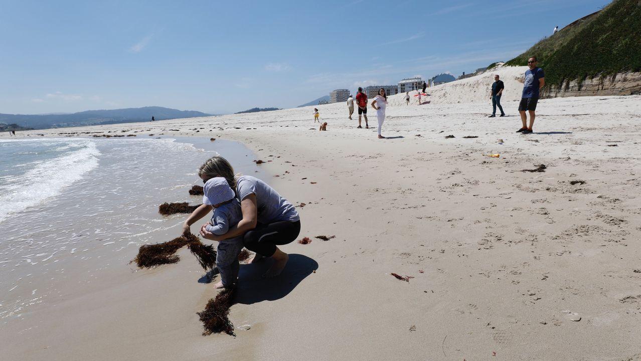 Las playas de Foz atrajeron a familias y amigos