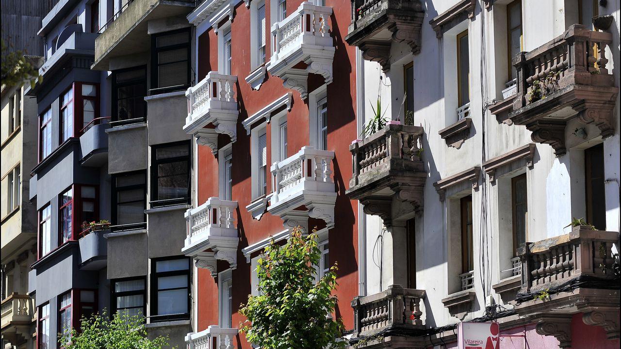 bonito.La armonía de fachadas como esta, en la calle Cidade de Lugo, es uno de los valores destacados en el plan general