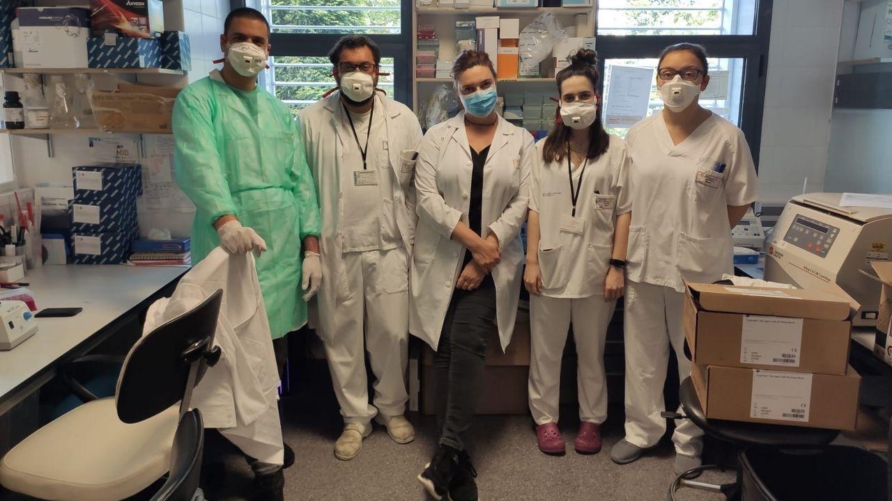 chales.Investigadores de la estación depuradora de Bens que analizan la presencia del coronavirus en las aguas residuales de A Coruña y cuatro municipios del área metropolitana