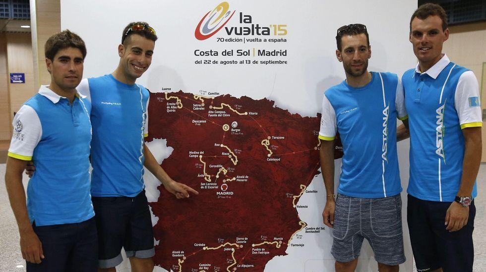 La etapa reina de La Vuelta, en fotos.El pelotón dio un paso por la Ronda da Muralla durante la etapa del 2006.