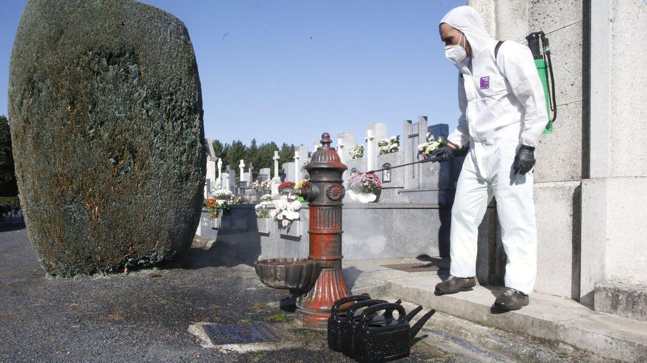 Así es la casa que el juzgado de Lugo subastó desde un céntimo.Desinfección en el cementerio San Froilán, con motivo de la pandemia de coronavirus
