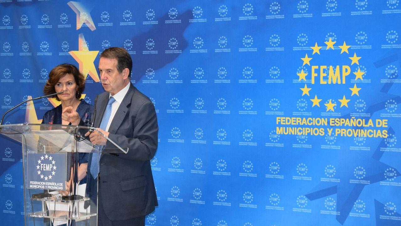 La gira de los ministros tras la investidura fallida.Abel Caballero y la vicepresidenta de Gobierno, Carmen Calvo, reúnen sus esfuerzos contra la violencia de género