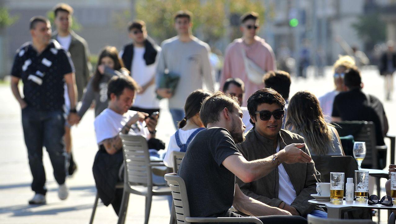 Primer dia de terraceo en A Coruña.