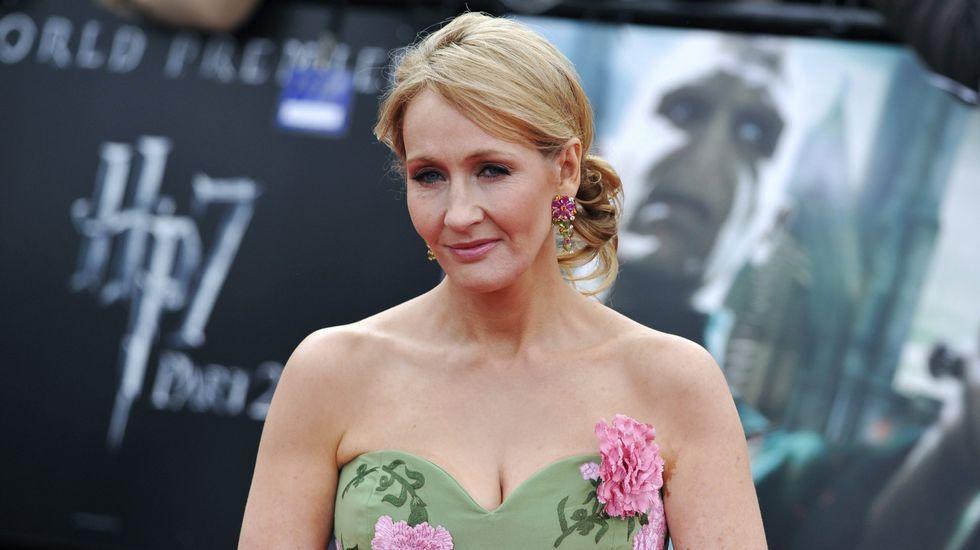J. K. Rowling se hizo famosa gracias a la saga de Harry Potter.