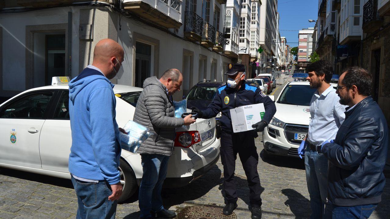 Entrega de un equipo de ozono a los taxistas