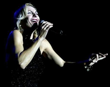 Ute Lemper, durante un concierto en Santiago.