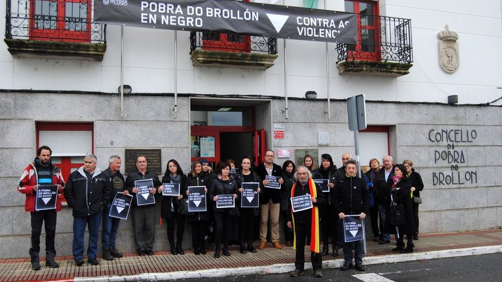 Concentración contra la violencia machista organizada este 25 de noviembre por el Ayuntamiento de A Pobra do Brollón