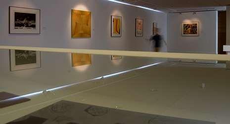 Sala dedicada a la serigrafía con obras de Equipo Crónica o Saura.