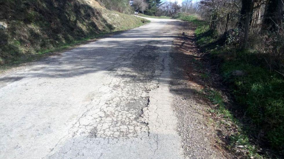 El firme de la carretera en la que se llevarán a cabo las obrsa está deteriorado