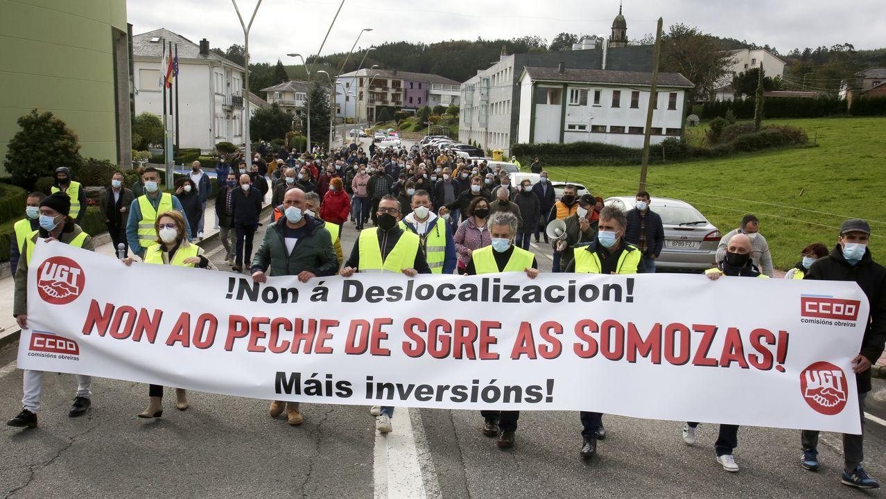 La jornada de huelga de Siemens Gamesa en As Somozas.Trabajadores de Siemens Gamesa en As Somozas, concentrados delante de la planta