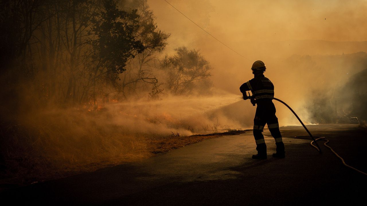 Incendio en Vilariño de Conso.Autocov en el CHUO en Ourense