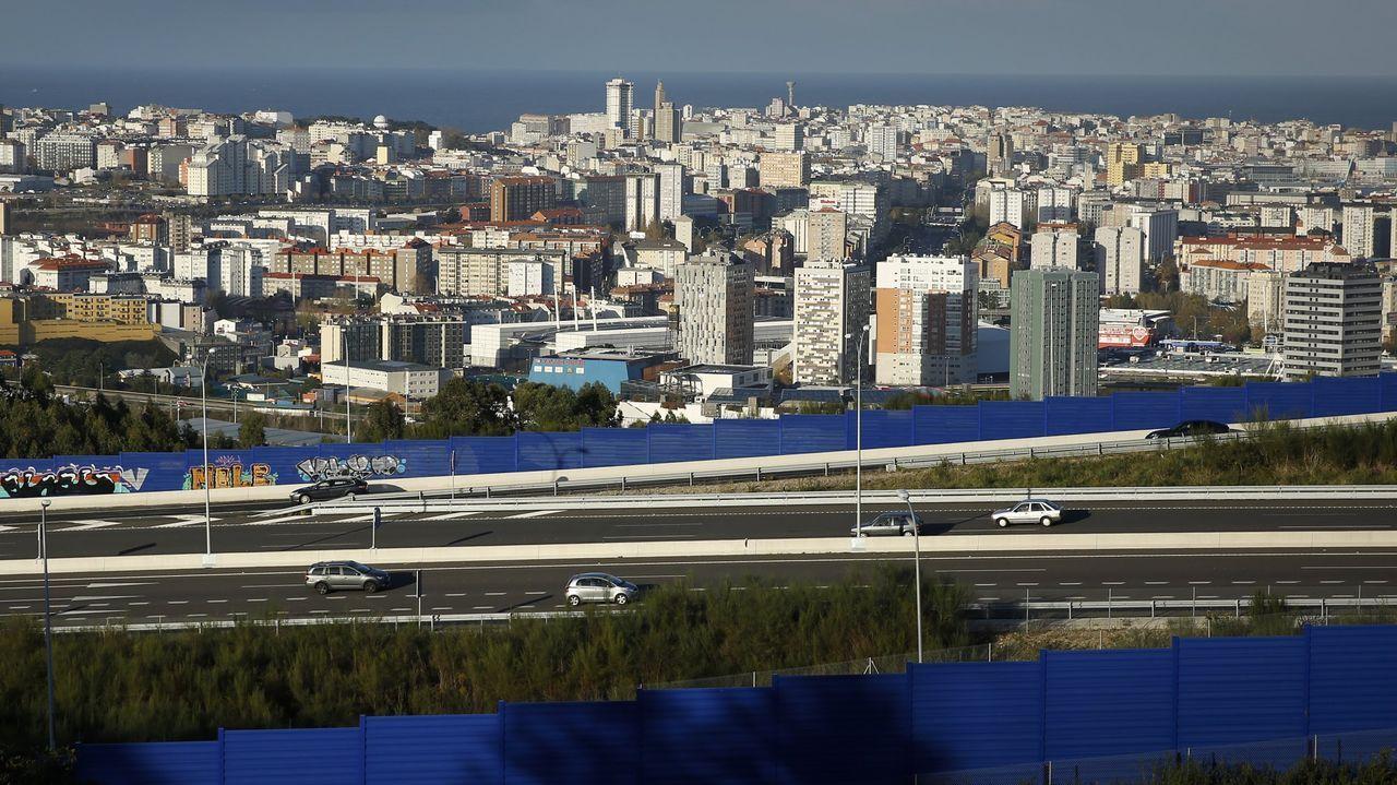 Vistas de un tramo de la tercera ronda.Retenciones en la AP-9 a su paso por Vigo por las obras de Rande en abril del 2018