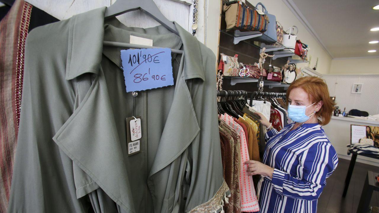 La tienda Dolores Lola estrenó este lunes las rebajas de verano con descuentos desde el 20 %