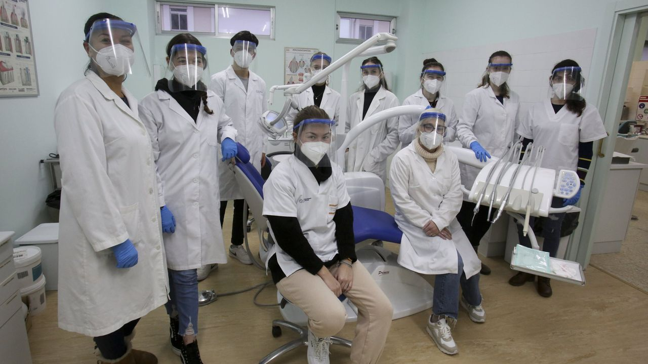 Alumnas del módulo para formar a higienistas dentales del Leixa