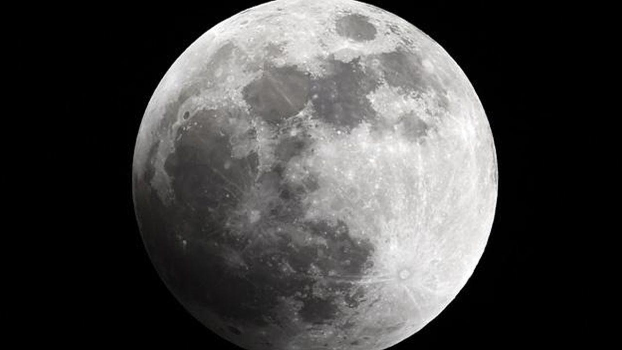La Luna más grande del 2017.Eclipse de la Superluna dede Valparaíso, Chile