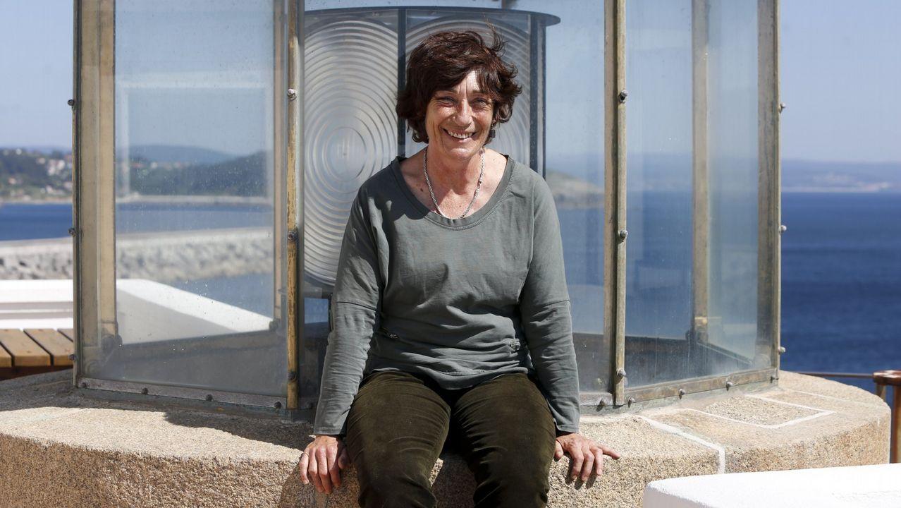 Galicia, el paraíso de los «instagramers».Bañistas en la playa asturiana de San Martín, en Llanes