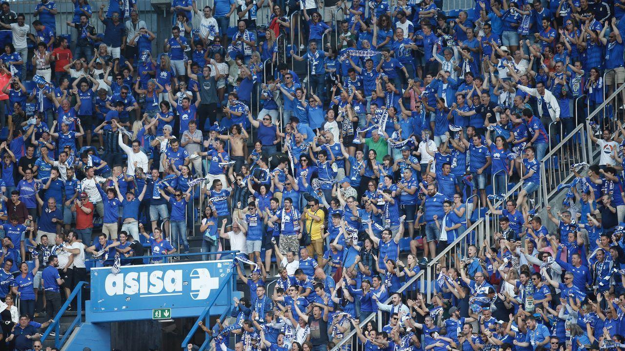 Deportivo Real Oviedo Riazor gol Obeng.Los futbolistas oviedistas celebran el gol de Obeng al Deportivo
