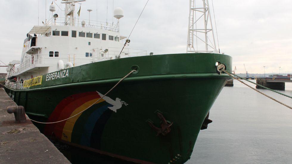 El «Esperanza», atracado en El Musel