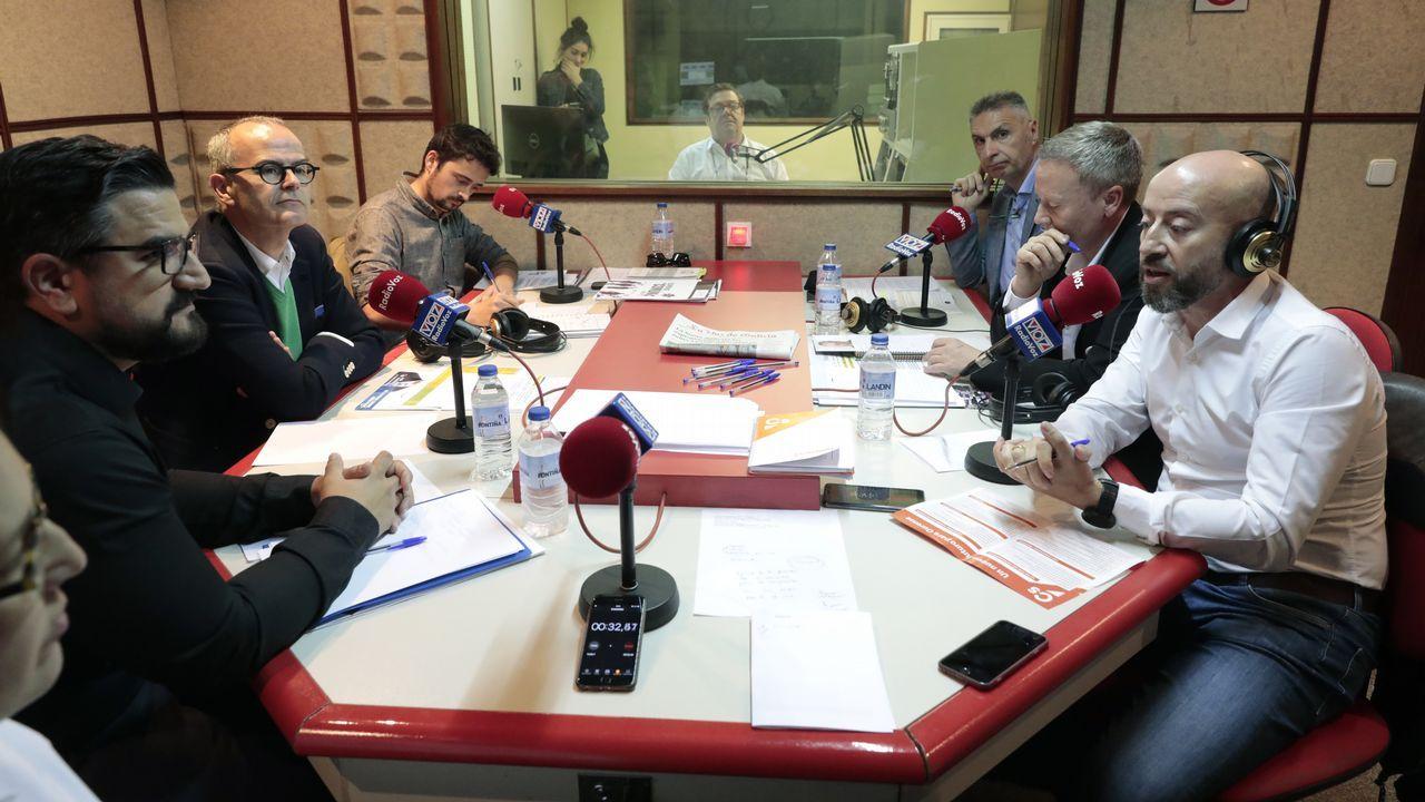 Seis exediles del PP en Ourense declaran como investigados en un caso de presunta malversación.Uno de los puntos de recarga para el coche eléctrico en Oviedo