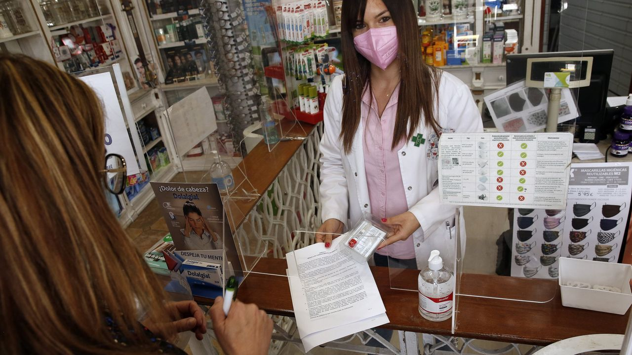 Test de saliva en una farmacia de A Pobra