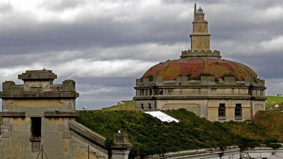 El estado en el que está la antigua cárcel de A Coruña.