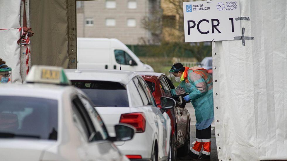 «Que la gente no dude, y se vacune».El domingo se analizaron 1.364 PCR en el área sanitaria de Ourense, Verín y Valdeorras