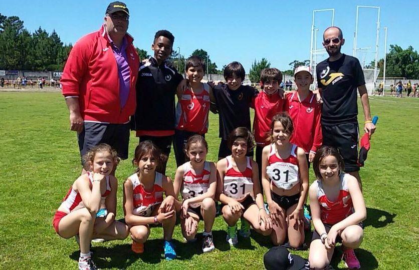 Representación del Atletismo A Estrada en el campeonato.