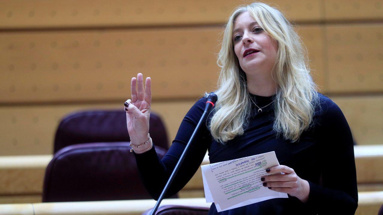 Una senadora del PP reprocha al Gobierno que destine 15 millones a «desenterrar unos huesos».Sustitución de la placa de la calle 19 de Julio, en el centro de Oviedo, en aplicación de la ley de Memoria Histórica por parte del Ayuntamiento de Oviedo