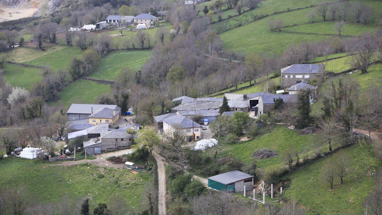 Vista aérea de ,as aldeas de Vilarce y O Castiñeiro, que pasan de suelo rústico a núcleo rural