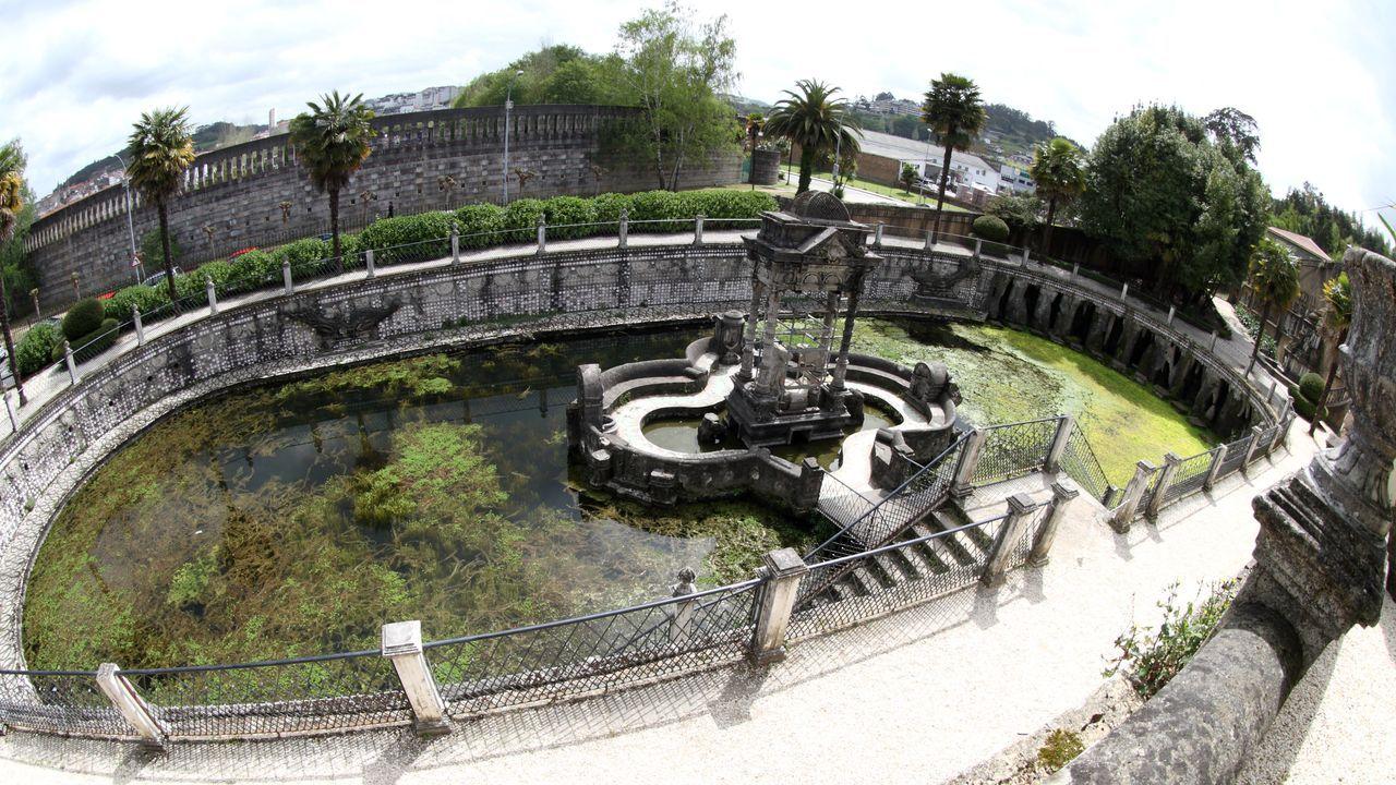 O Pasatempo, un parque enciclopédico en obras.El payaso Fofito.