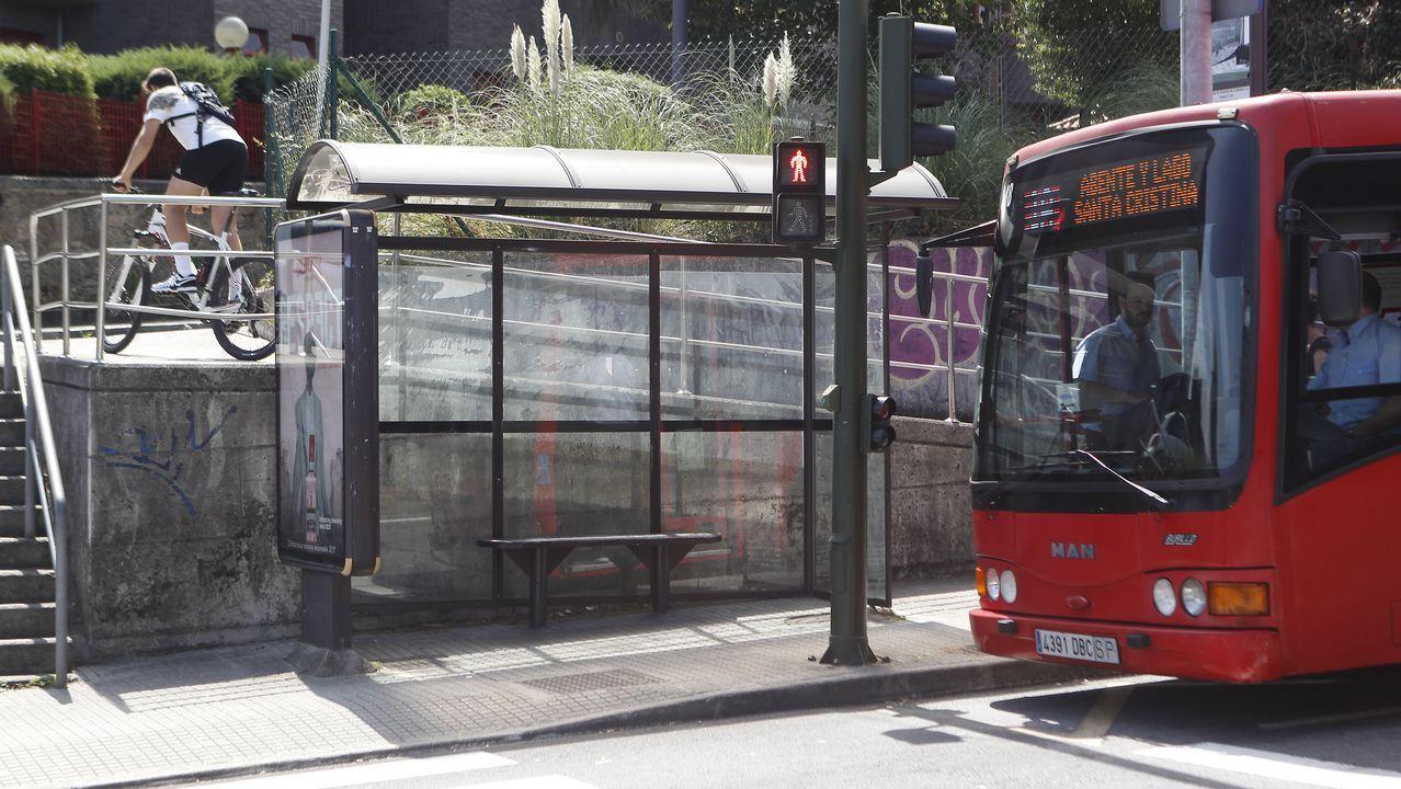 La marquesina de bus en la que una desconocida dejó una declaración de amor.
