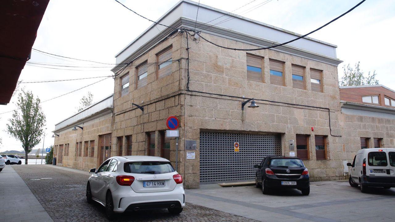 El concello de Vilanova instala cámaras de seguridad vial.El cribado realizado en Barro el lunes y el martes se saldó sin positivos en covid