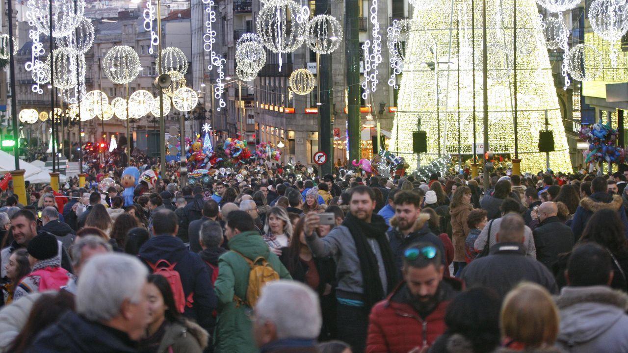 Colapso esta tarde en los accesos a Vigo por autopista por la enorme afluencia de gente