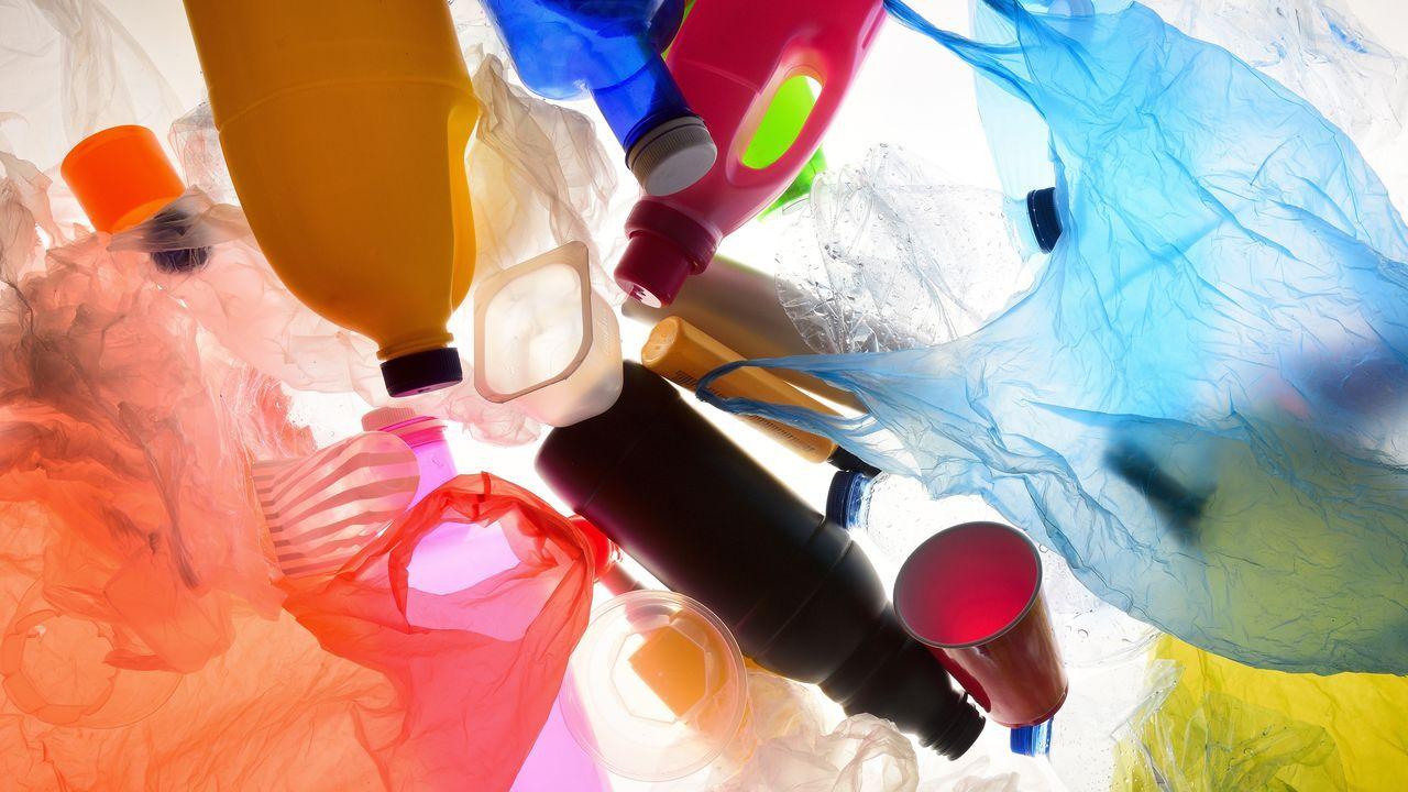 Lo que sí se puede reciclar en el punto limpio.El número dos de la coalición PP-Foro al Congreso, Isidro Martínez Oblanca,