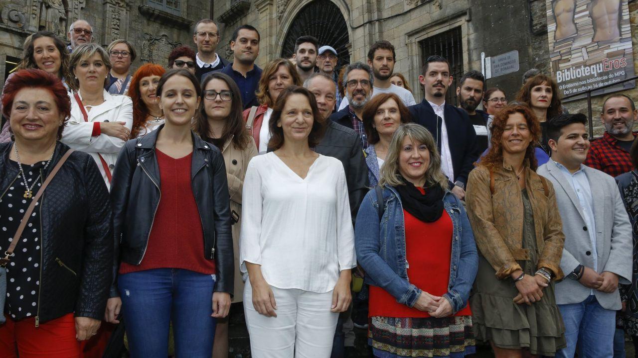 La normalidad del 10N en Santiago.Carmen Santos apoyó la candidatura de Bescansa para liderar Podemos Galicia