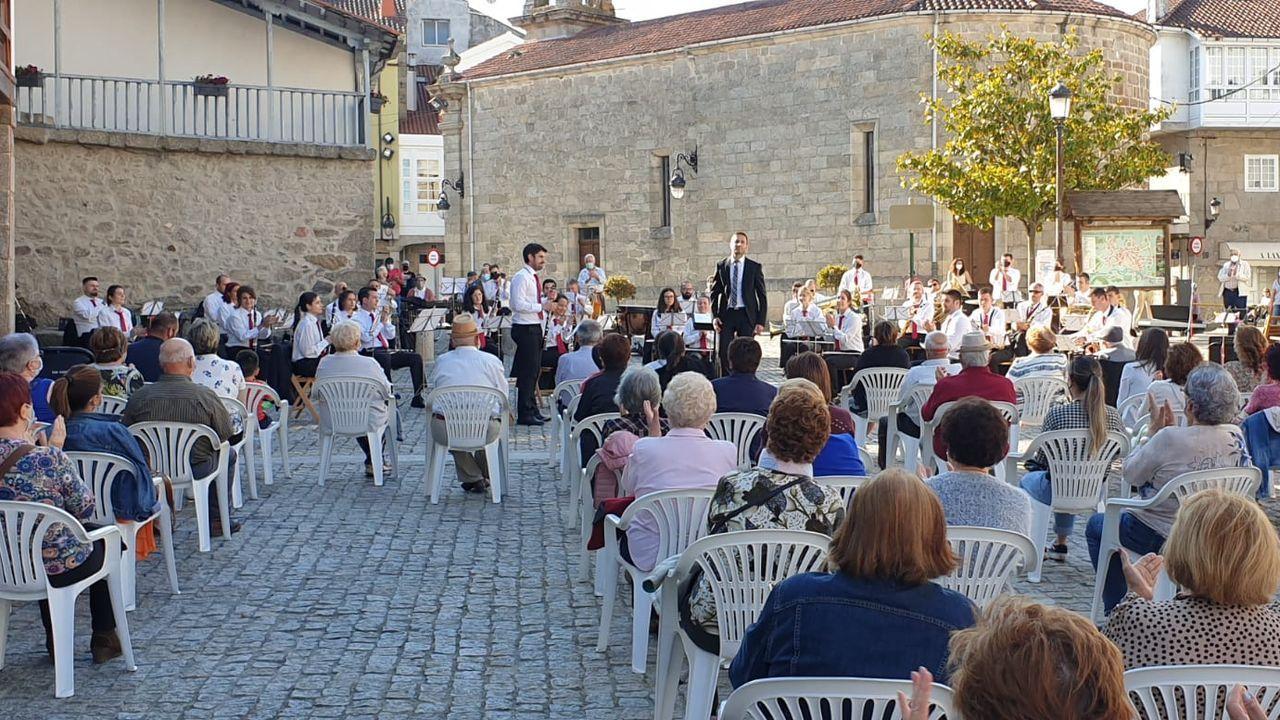 Un momento del concierto de despedida de José Manuel Mosquera como director de la Banda de Chantada