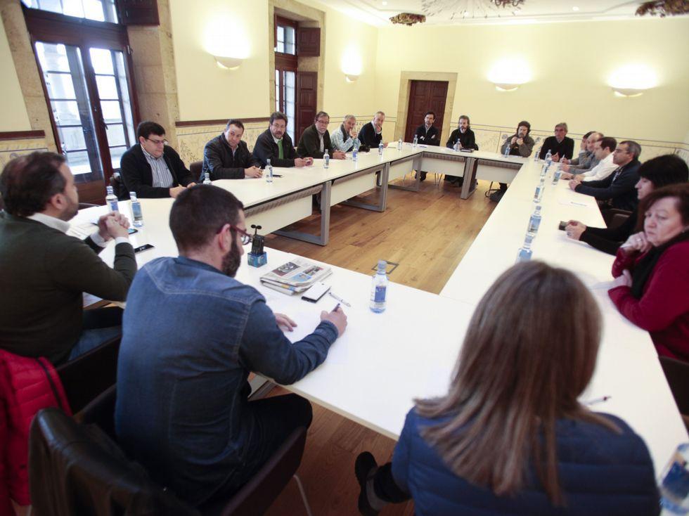 Detalle de la reunión celebrada en Lalín.