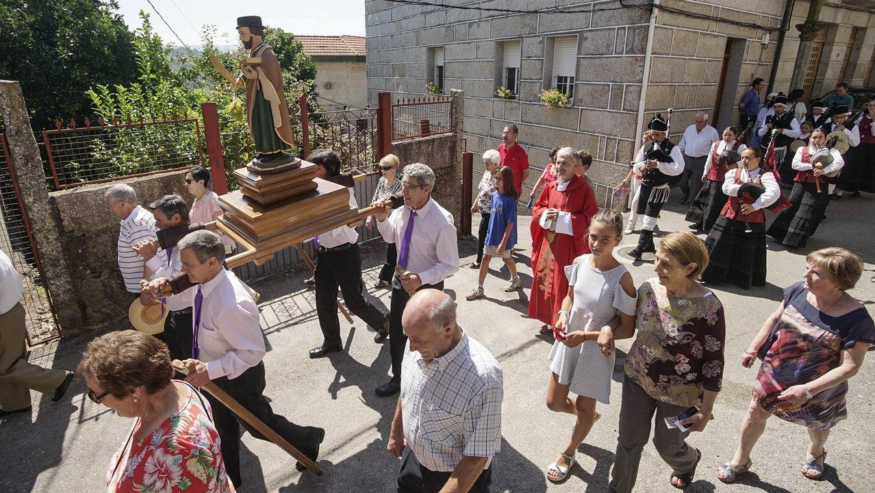 53 años surcando el Sil.Romeria de Os Milagros, en Baños de Molgas